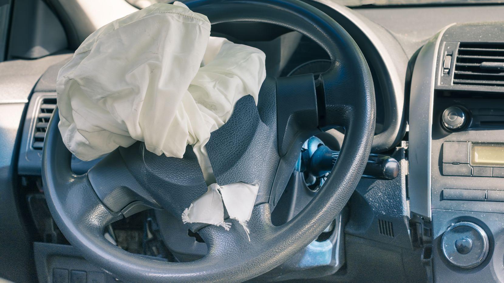 Los airbags deben ser reemplazados en los autos viejos. Es gratuito hacerlo. iSTOCK