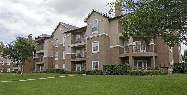 The Emery Bay at Lakepointe apartments in Lewisville are getting a makeover.