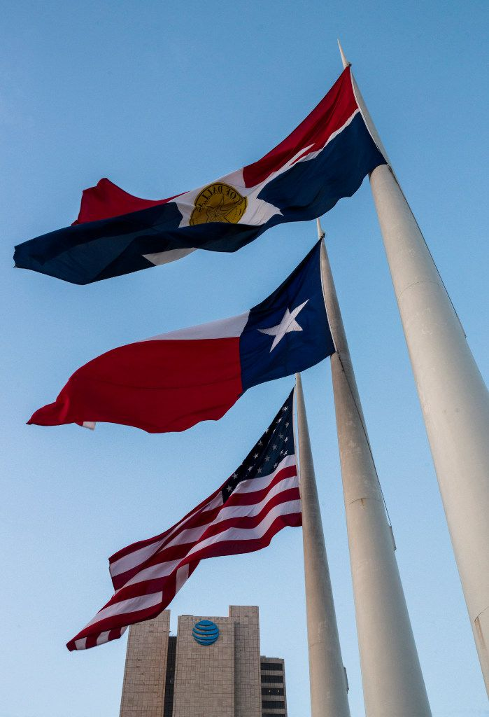 Dallas' official flag flies in front of Dallas City Hall. Because it has no choice.