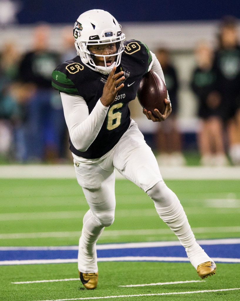DeSoto quarterback Samari Collier (6) runs the ball during the first quarter of a Class 6A Division I area-round high school football playoff game between Southlake Carroll and DeSoto on Friday, November 22, 2019 at AT&T Stadium in Arlington. (Ashley Landis/The Dallas Morning News)
