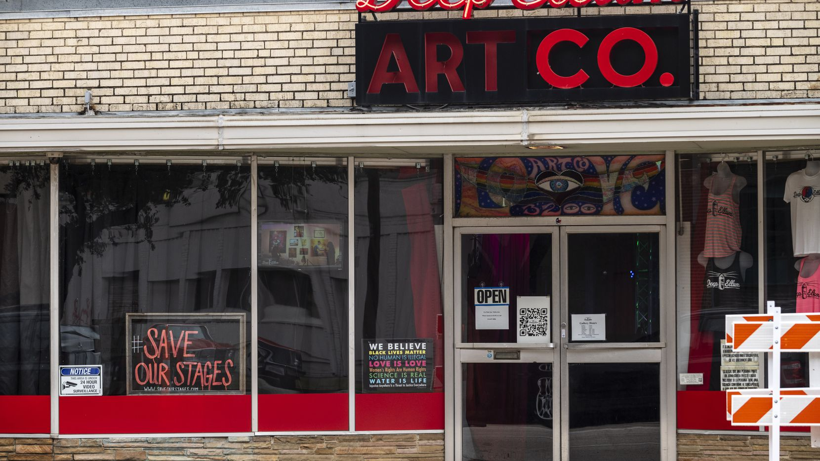 Deep Ellum Art Co. is one of a number of Dallas venues that will continue to require masks after restrictions lift.