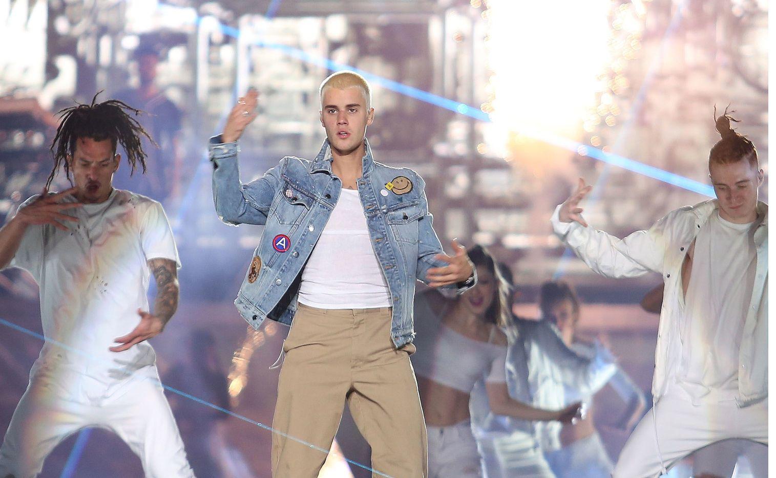 Justin Bieber (foto) abordó el tema durante una entrevista con Zane Lowe para la emisora Apple Music, donde reconoció que traicionó la confianza de ambas en muchas ocasiones.