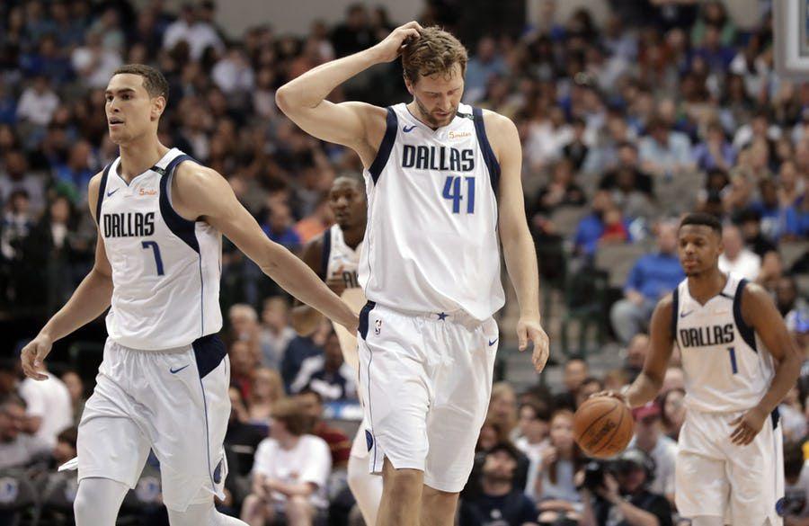 Dirk Nowitzki fue operado del tobillo. Se perderá el reto de la temporada con los Dallas Mavericks. Foto AP