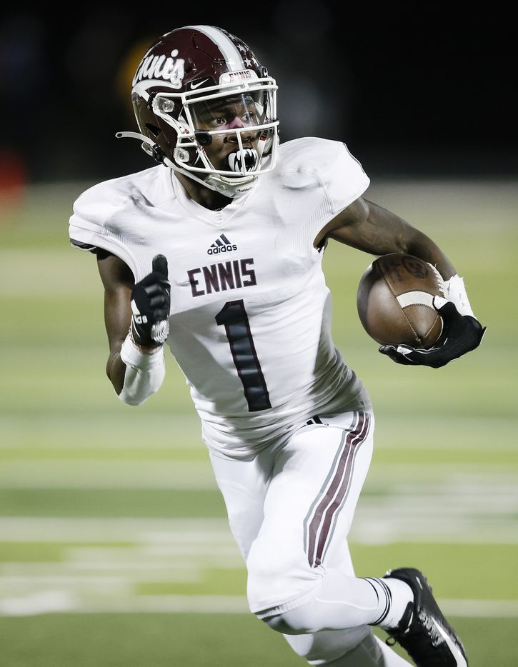 Ennis senior wide receiver Karon Smith (1) runs a pass in for a touchdown during the second half of a high school playoff football game against North Forney in Forney, Thursday, November 19, 2020. Ennis won 38-14. (Brandon Wade/Special Contributor)