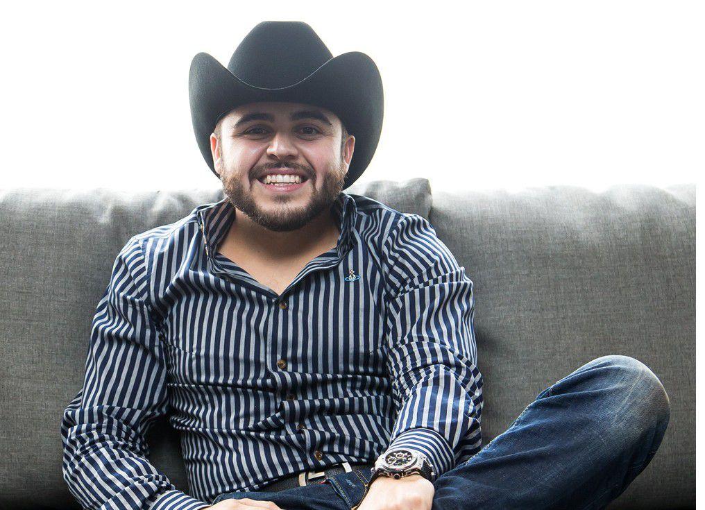 El cantante Gerardo Ortiz es investigado por apología del delito y nexos con el crimen organizado. /AGENCIA REFORMA