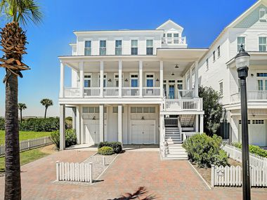 A look at the property at 1518 Beachtown Drive in Galveston.