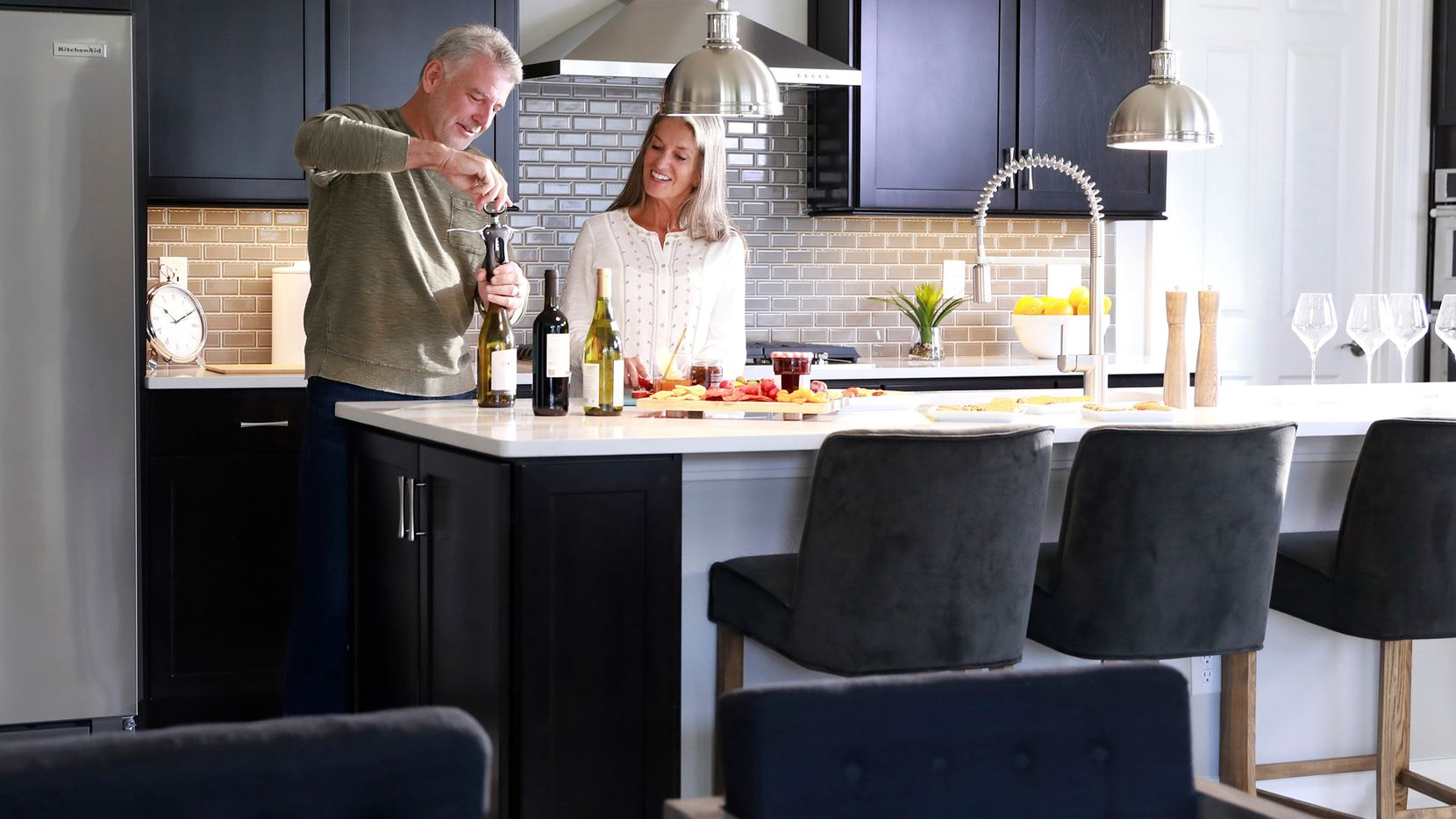 Del Webb homes feature open-concept layouts that lend themselves to entertaining, while flex spaces ensure owners can personalize their homes to suit their needs.