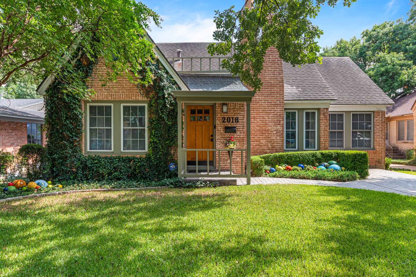 A look at 2018 Mayflower Drive in Dallas, one of the houses on the 2019 Heritage Oak Cliff Home Tour.
