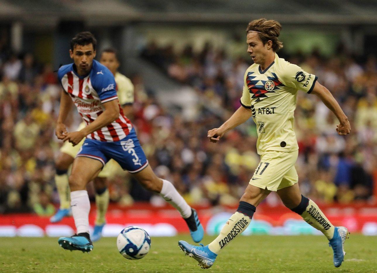América recibe a Chivas en una edición más del Clásico del futbol mexicano.