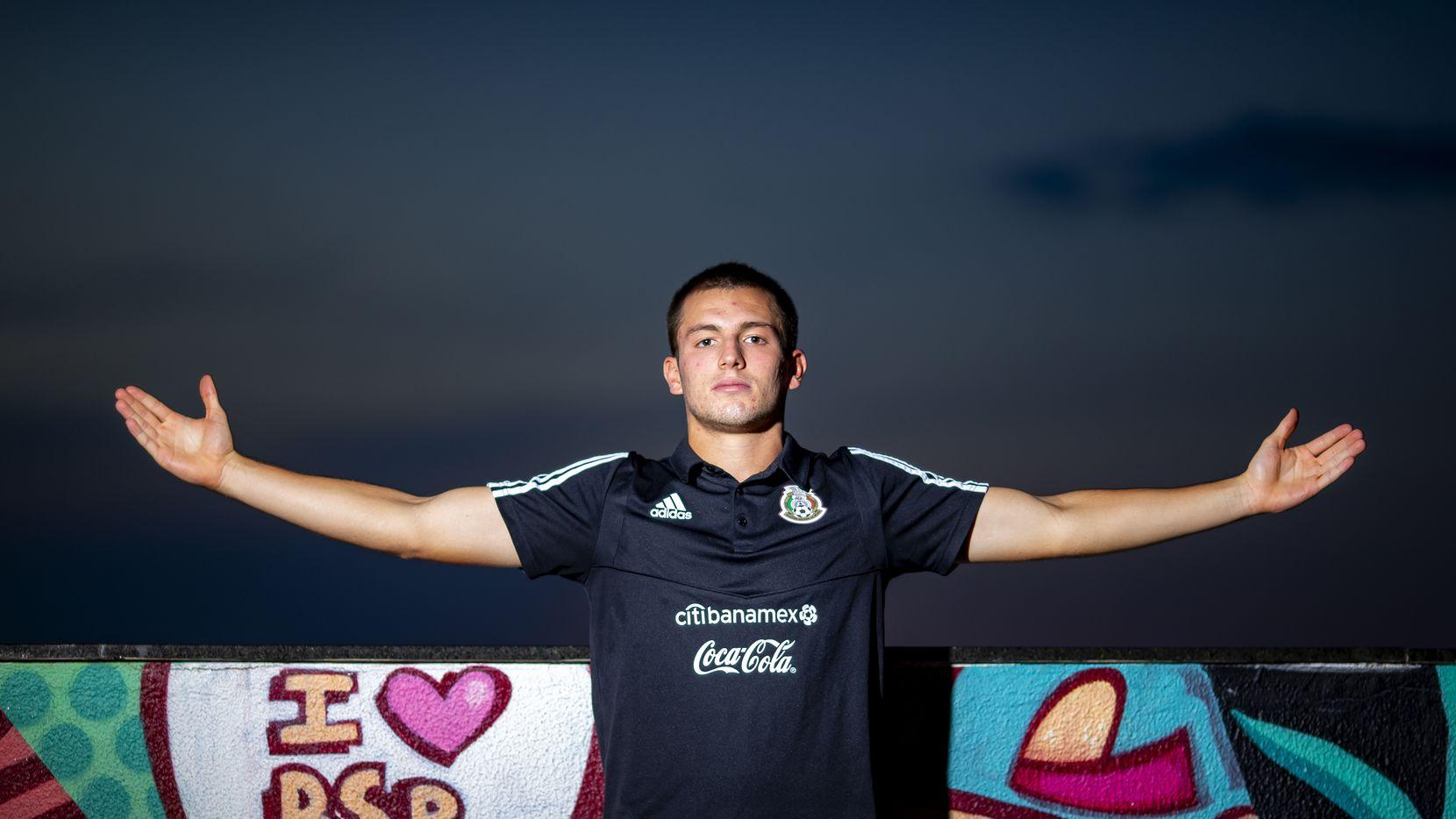 El joven mediocampista mexicano, Eugenio Pizzuto, ha despertado el interés del Lille de Francia.