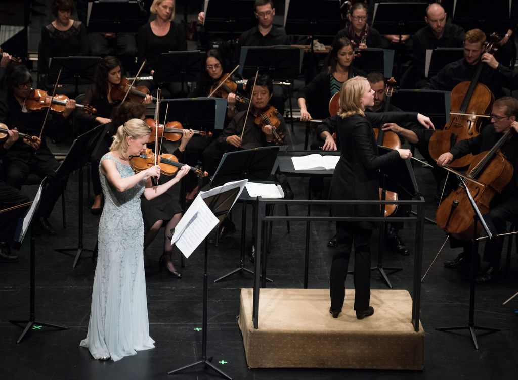 Angela Fuller-Heyde's previous solo appearance with the Dallas Symphony Orchestra came in 2017, when she played American composer Edgar Meyer's Violin Concerto. The program was conducted by Ruth Reinhardt at Moody Performance Hall.