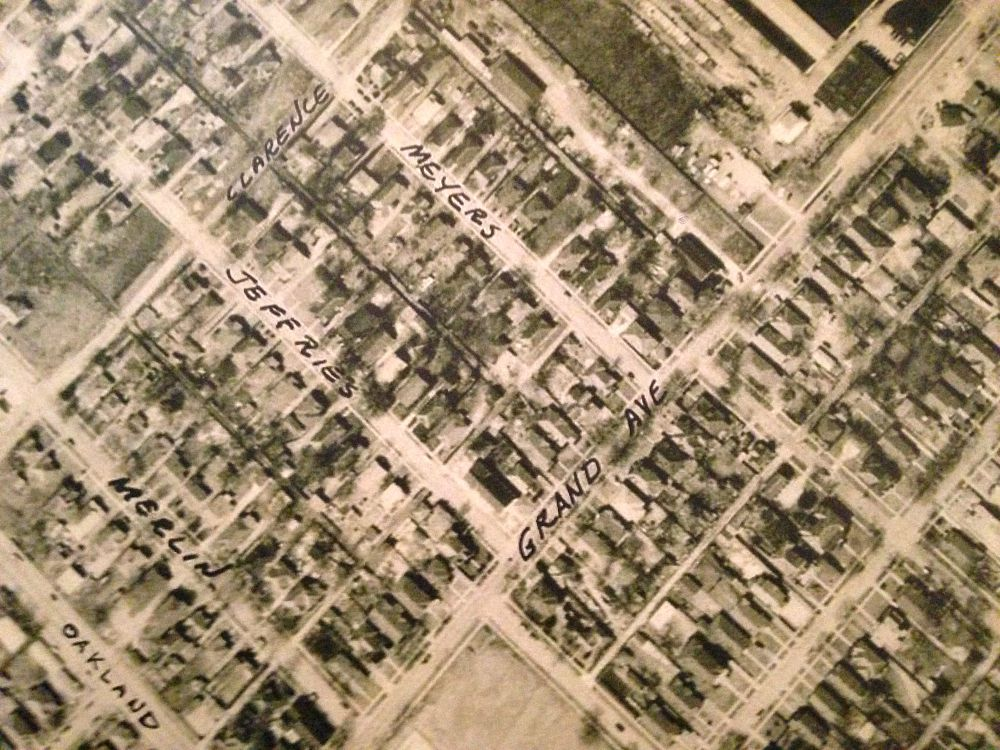 But in 1939, when the city conducted an aerial survey of the neighborhoods around Fair Park, these streets, many empty now, were stuffed with single-family homes.