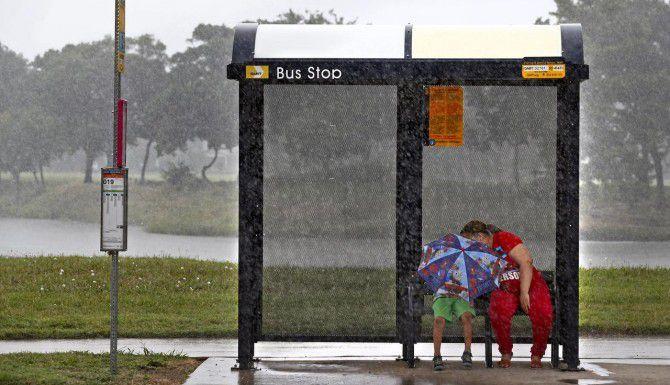 Las autoridades de Dallas se preparaban para una nueva tormenta la noche del martes. (DMN/NATHAN HUNSINGER)