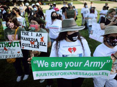 Familiares y amigos de la soldado Vanessa Guillen se manifestaron el 30 de julio en Washington para pedir una investigación del asesinato de la joven soldado que estaba asignada a Fort Hood, Texas.