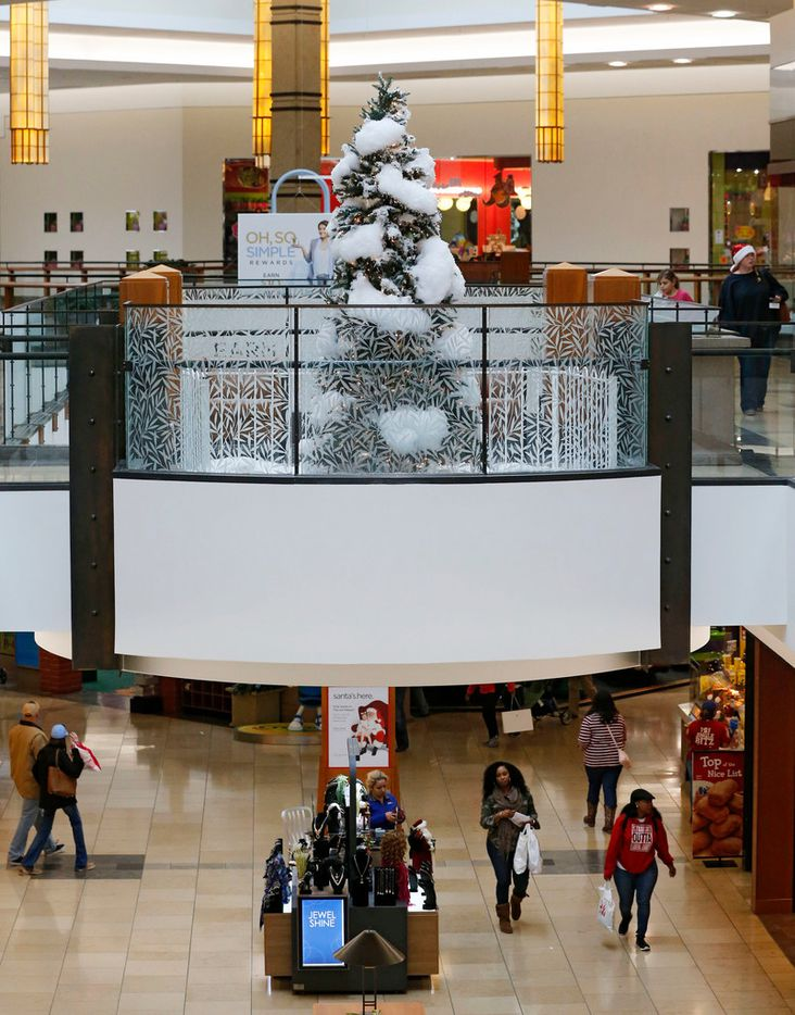 Last minute shoppers on Christmas Eve morning at Willow Bend Mall in Plano, Texas on Sunday, December 24, 2017.