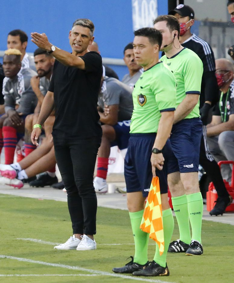 FC Dallas head coach Luchi Gonzalez points out a no call to the refs during the first half as FC Dallas hosted Sporting Kansas City at Toyota Stadium in Frisco on Saturday evening, August 14, 2021. (Stewart F. House/Special Contributor)