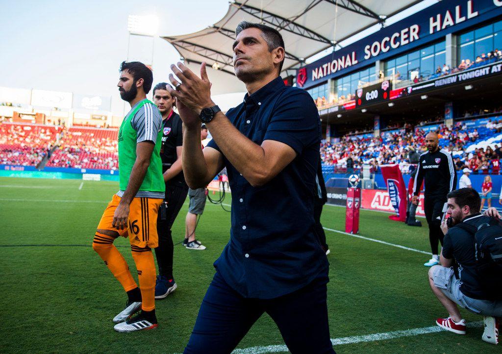 El técnico del FC Dallas, Luchi González, dijo que hasta el momento ninguno de sus jugadores ha dado positivo por el covid-19.