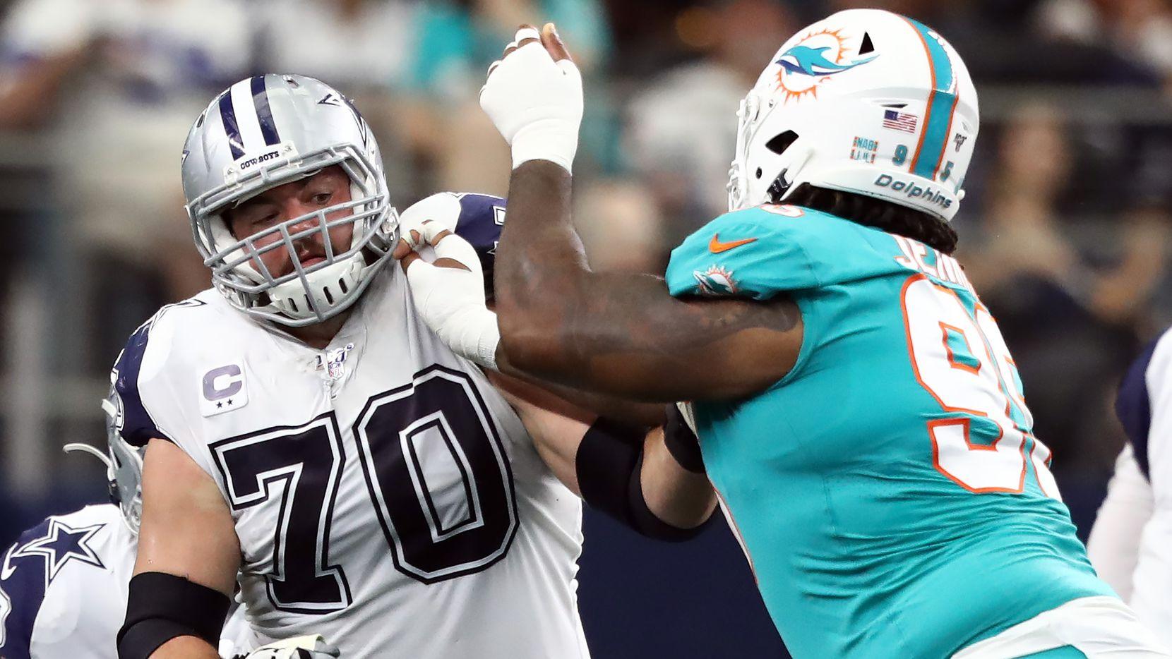 El guardia de los Dallas Cowboys, Zack Martin (#70), durante un partido contra los Dolphins de Miami efectuado el 22 de septiembre de 2019 en el AT&T Stadium de Arlington.