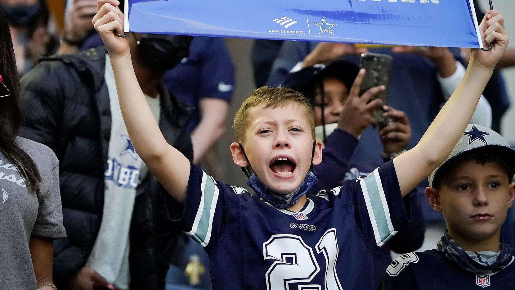 Seguidores de los Dallas Cowboys de todas las edades acudieron esta temporada a ver los juegos de su equipo en el AT&T Stadium de Arlington.