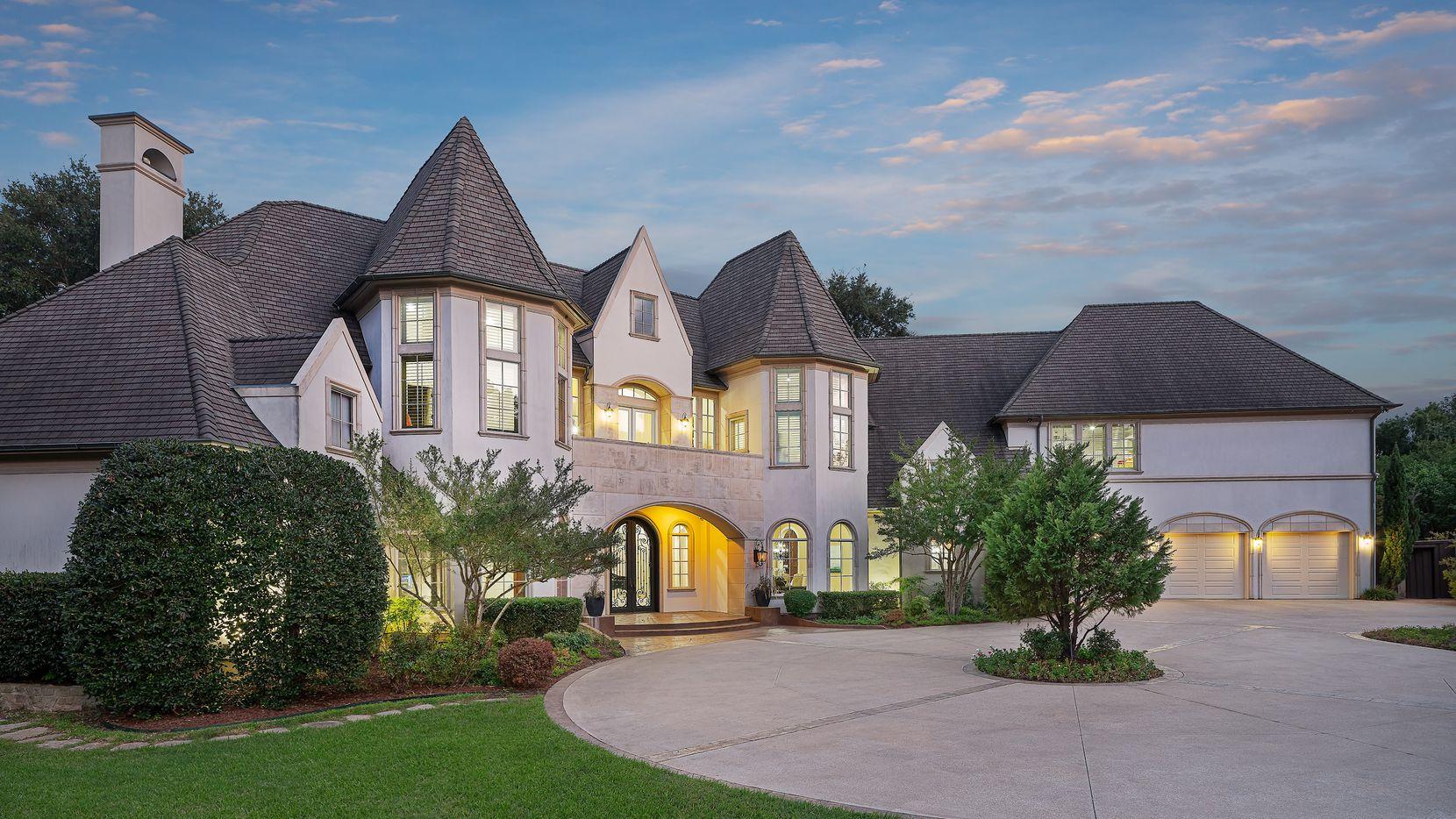 4610 Royal Lane, Dallas, Texas.