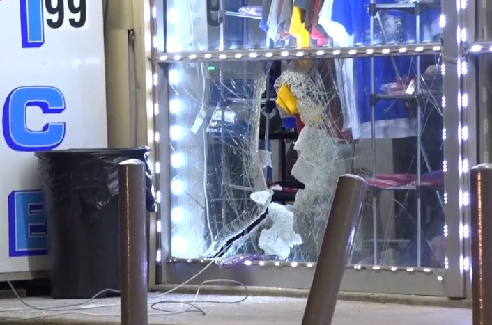 Some ATM thieves left behind a smashed window at a convenience store in Old East Dallas on Friday morning.