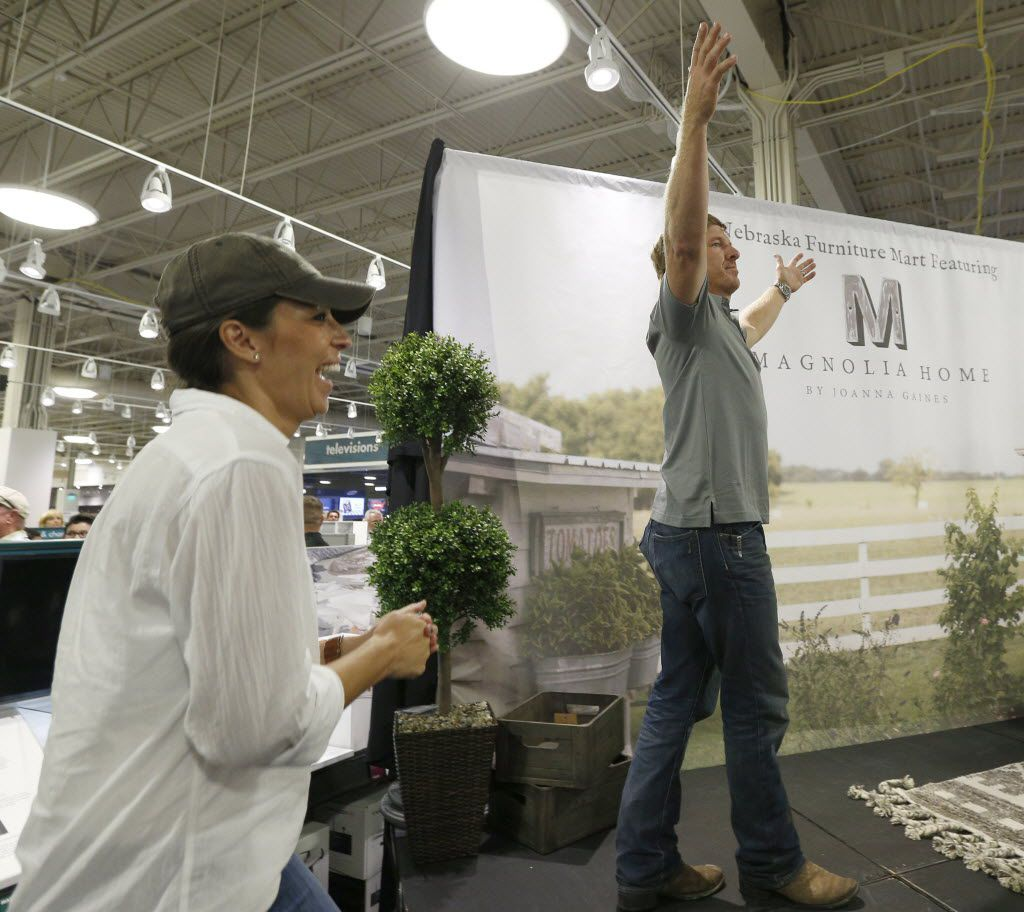 DFW 'Fixer Upper' Fans Discover Chip Gaines' New Love At