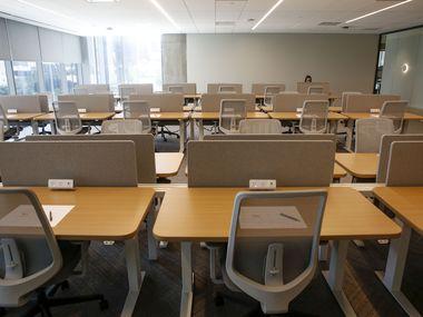 La mayoría de oficinas del Norte de Texas permanecen vacías con sus empleados trabajando desde casa.