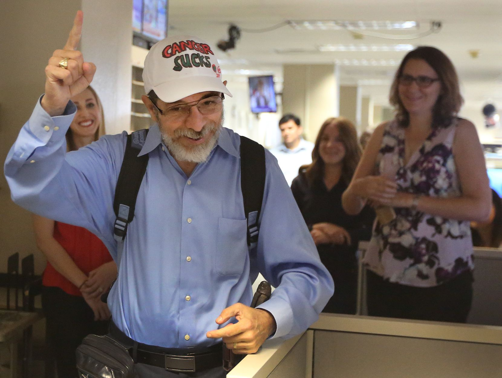 A typical moment of Jeffrey Weiss being himself, as he bade farewell to friends and co-workers at The Dallas Morning News in September 2017.