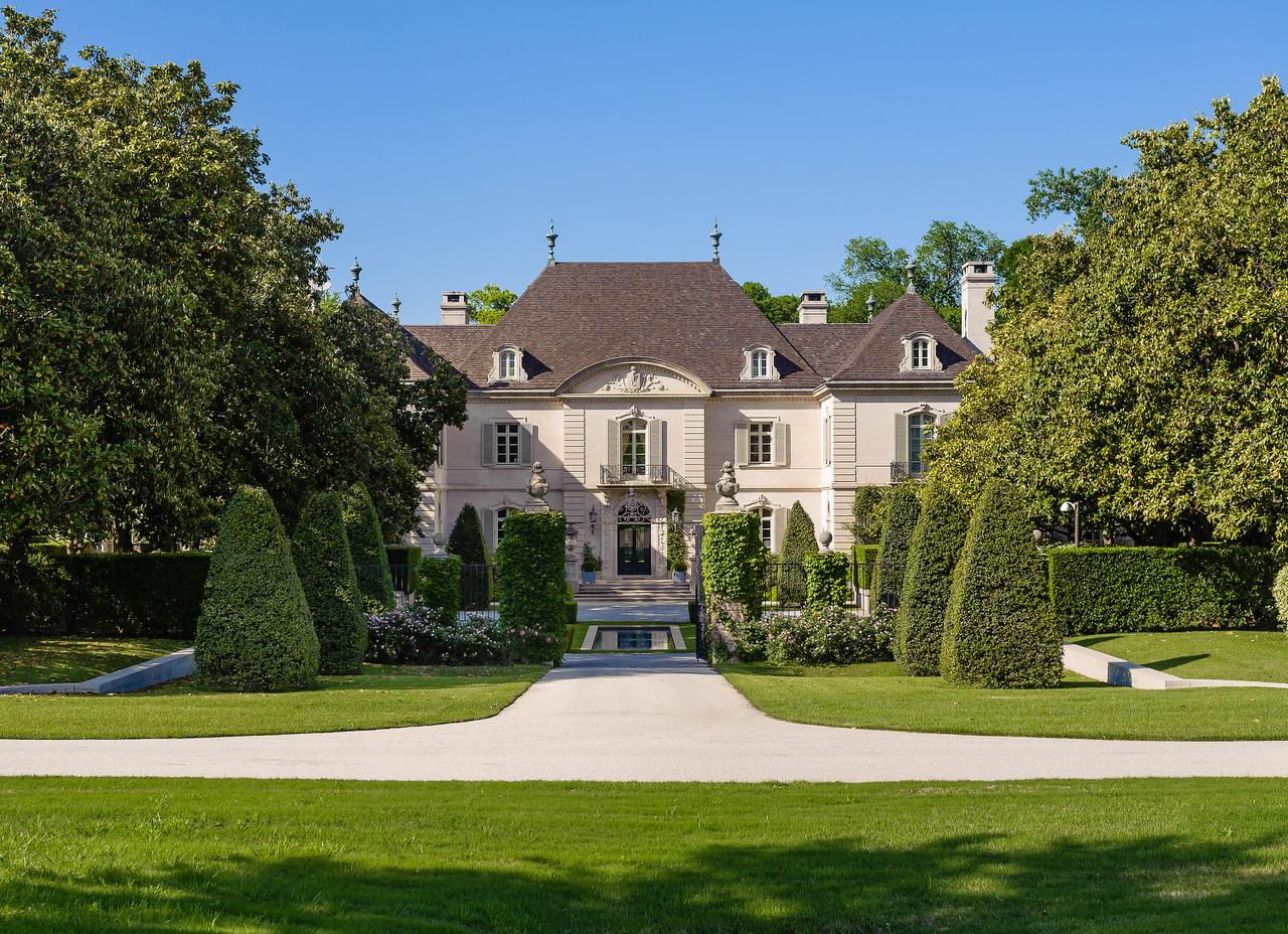 "Walnut Place is among Christie's International Real Estate's luxury properties. Lavish homes are ""trophies now,"" says Dan Conn, CEO of Christie's real estate brokerage."