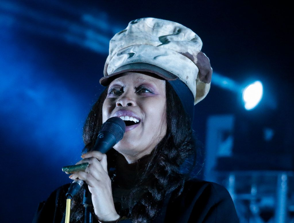Erykah Badu headlined the opening night of the Riverfront Jazz Festival 2017.