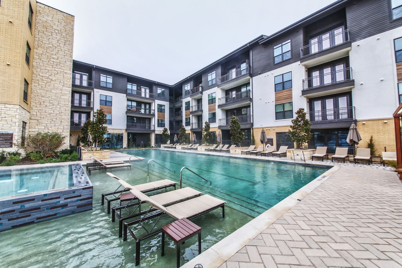 Comfort, community and convenience await you at Overture Fairview, a 55+ apartment community minutes from Allen, Texas.