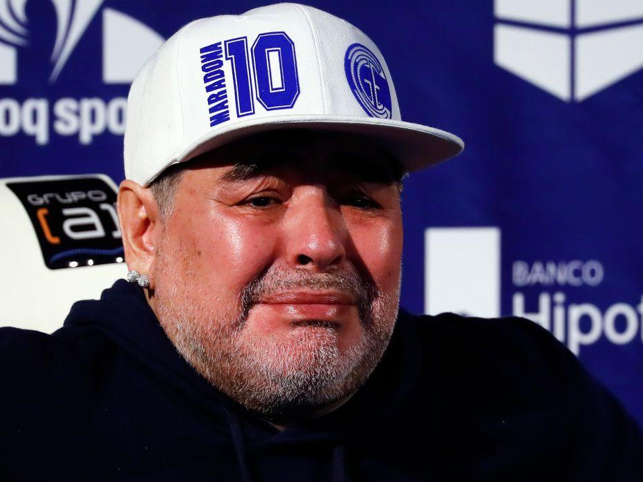 Diego Maradona en foto de archivo de 2019, como técnico de Gimnasia y Esgrima de La Plata.