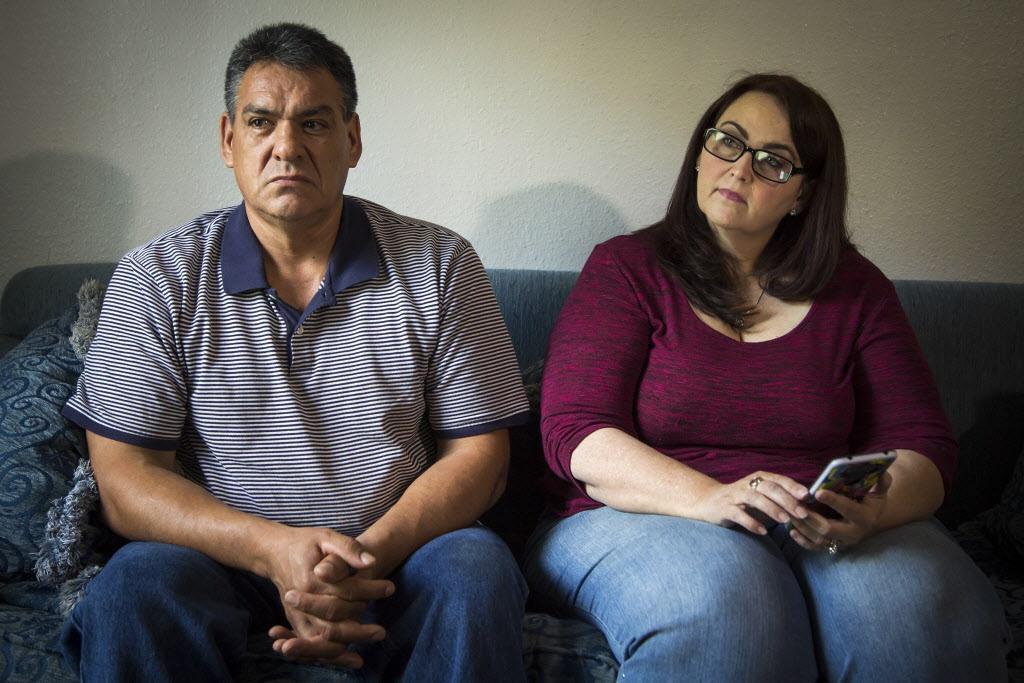 Teresa y Martín Hernández, padres de Elijha, quien desapareció durante una misión religiosa en México. SMILEY N. POOL/DMN