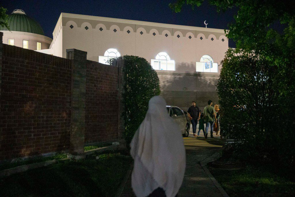 In this file photo, mosque-goers make their way for evening prayers after breaking their fast at Islamic Association of Collin County in Plano Texas Friday, May 31, 2019. (Shaban Athuman/Staff Photographer)