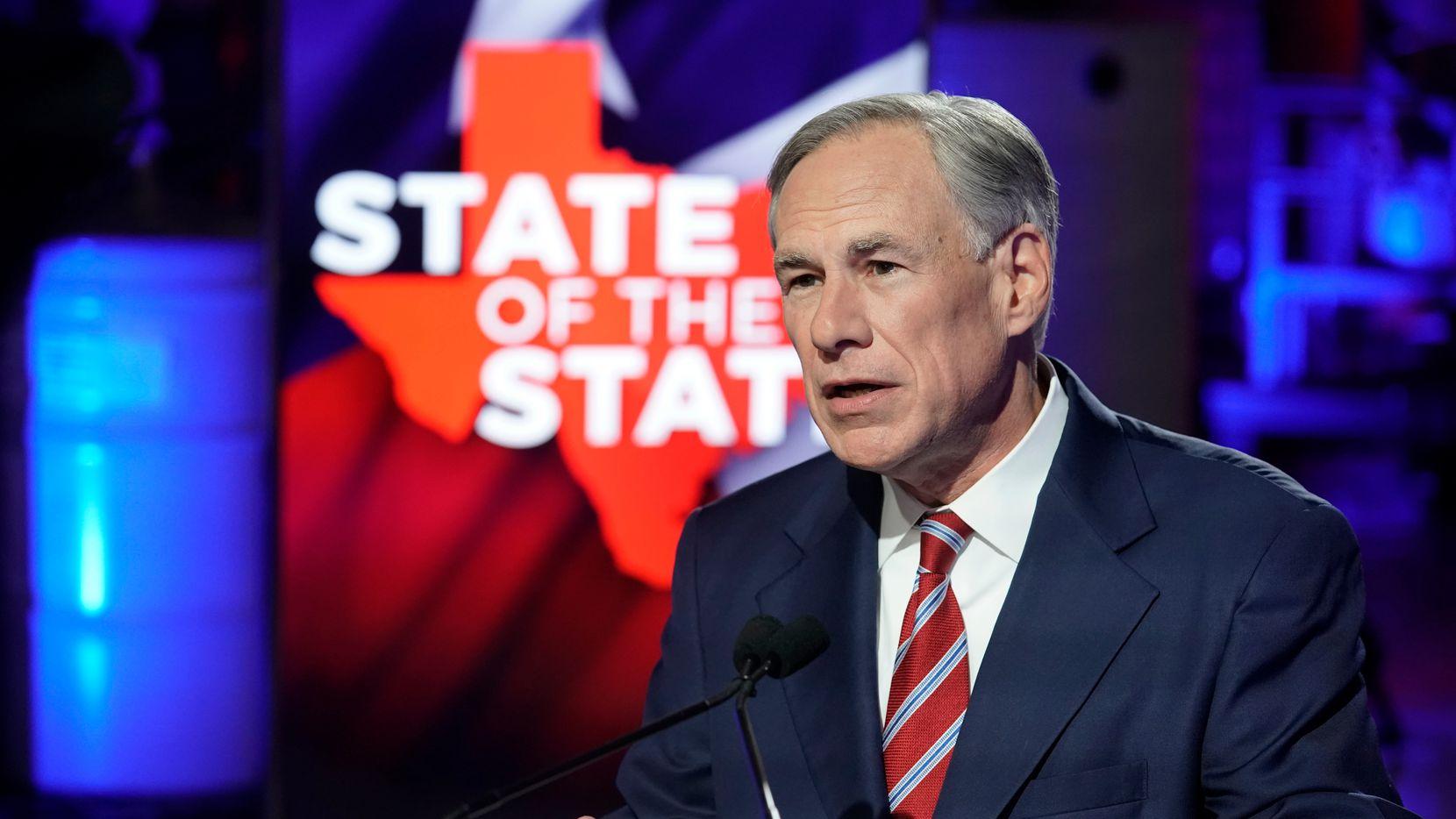 El gobernador Greg Abbott culpó a la energía de los molinos de viento y solar de los apagones en Texas. ERCOT admitió esta semana que las plantas fósiles de carbón, gas y de energía nuclear tenían sus instrumentos congelados.