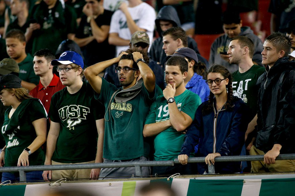 TAMPA, FL - OCTOBER 28: South Florida Bulls fans react in the final moments of the Bulls' 28-24 loss to the Houston Cougars during the fourth quarter of an NCAA football game on October 28, 2017 at Raymond James Stadium in Tampa, Florida. (Photo by Brian Blanco/Getty Images)