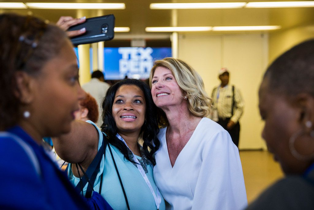 Former senator Wendy Davis, right, takes a selfie with Lisa Williams of Mesquite, Texas during the Texas Democratic Convention on Friday, June 22, 2018 at the Fort Worth Convention Center in Fort Worth.