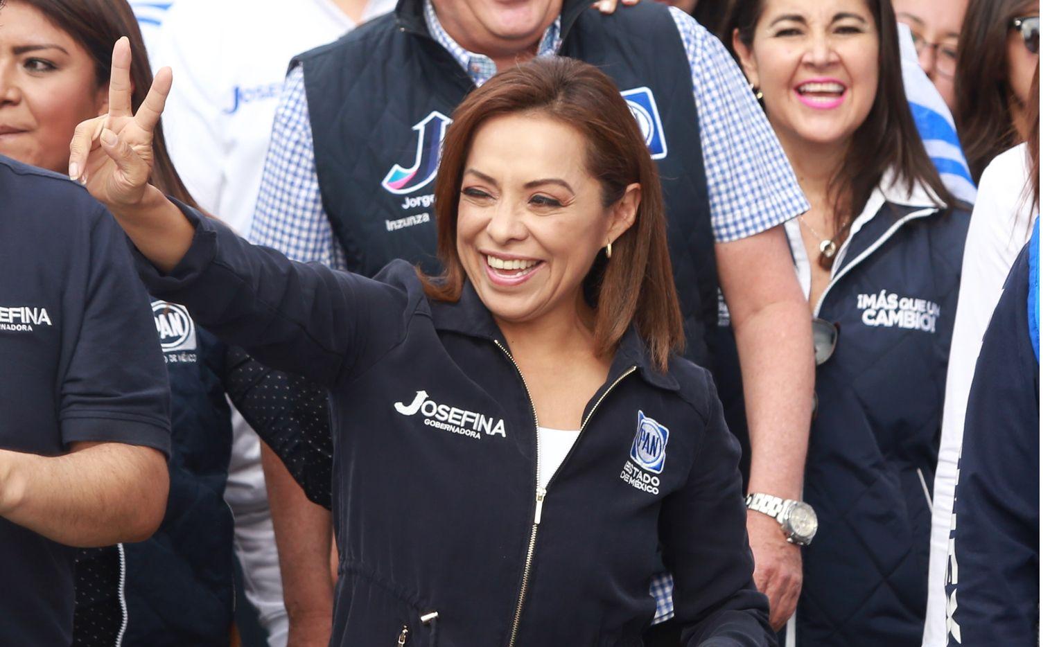 osefina Vazquez Mota (foto) explicó, durante un foro organizado por el comité estatal del PAN en Querétaro, que la noche anterior a su segundo debate con Peña Nieto, López Obrador y Gabriel Quadri Fox le previno que apoyaría a otro candidato.