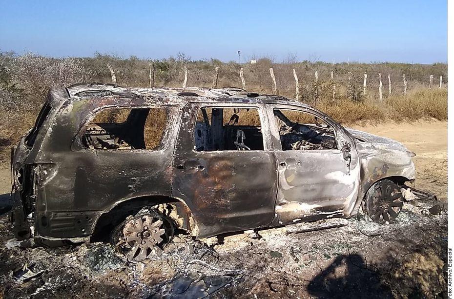 La camioneta con placas de Nuevo León hallada junto a los 19 cuerpos calcinados en una brecha de Camargo, Tamaulipas, había sido asegurada en diciembre por el Instituto Nacional de Migración (INM).