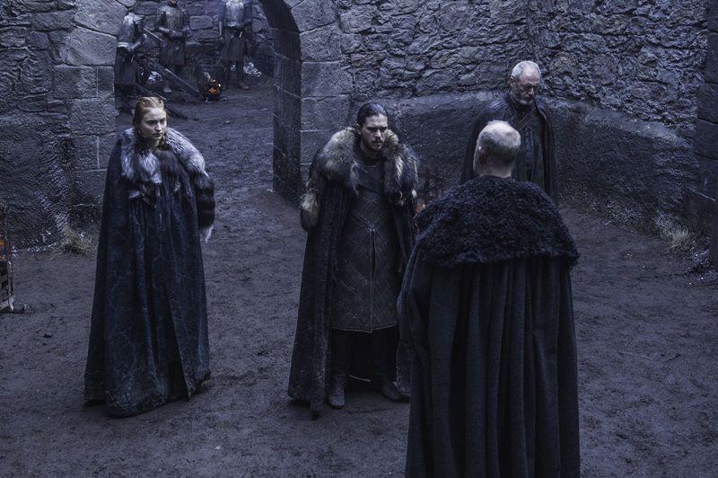 Los personajes de Jon Snow y Sansa en el capítulo siete de la temporada seis de Game of Thrones./ HBO MEDIA