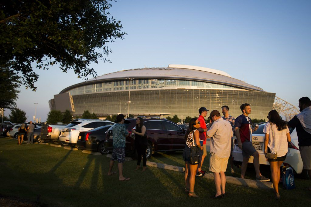 Fans did some tailgating before the Rolling Stones concert at AT&T Stadium on Saturday, June 6, 2015.
