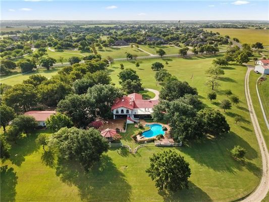 The Southern Cross Ranch is about 20 miles east of Dallas in Forney.