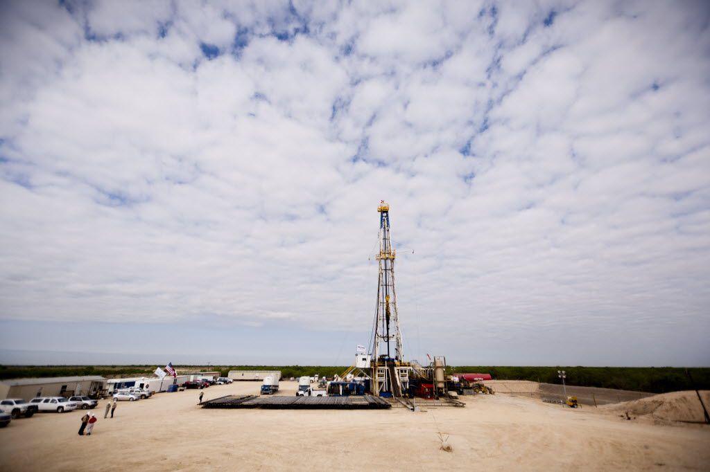 A Chesapeake Energy oil well near Big Wells, Texas. (File Photo/The New York Times)