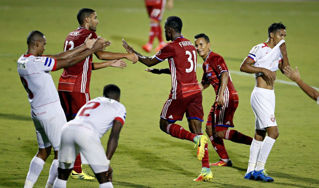 FC Dallas' Maynor Figueroa (31) celebrates his goal during the second half of Dallas' 2-1 win over Real Esteli in a CONCACAF Champions League soccer match Thursday, Aug. 4, 2016, in Frisco, Texas. (G.J. McCarthy/The Dallas Morning News via AP)