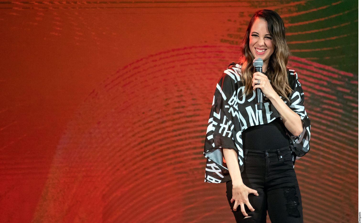 Sofía Niño de Rivera trae su fórmula humorística a Dallas.