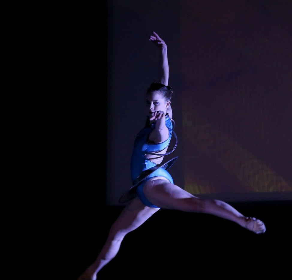 Dallas Neo-Classical Ballet company member Laura Pearson in Adrián Aguirre's Quantum Connectivity at the Texas Theatre in March 2018.