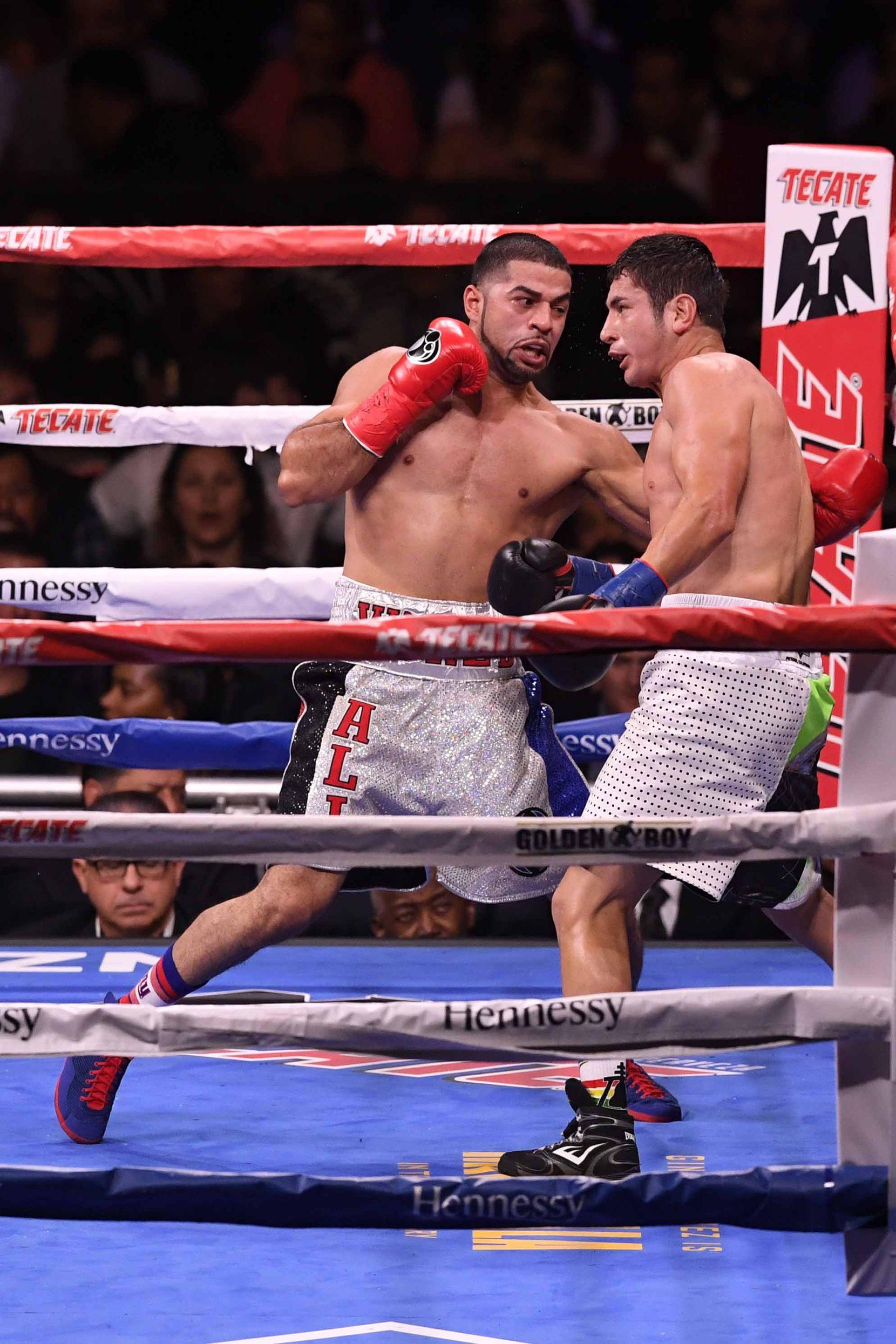 Sadam Ali (izq.) vs. Mauricio Herrera (der.) en diciembre de 2018 en Nueva York. (Photo by Sarah Stier/Getty Images)