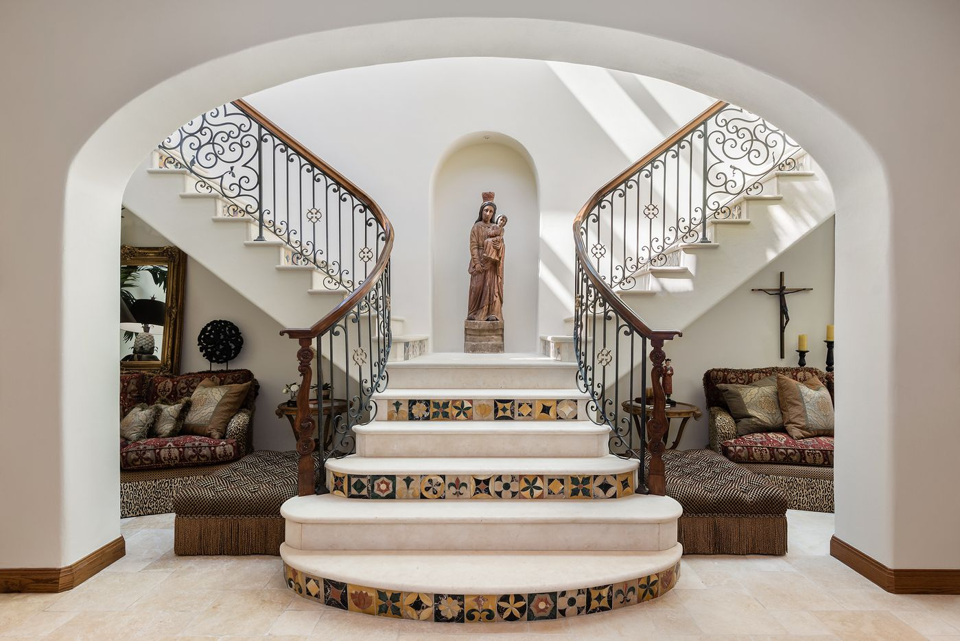 Take a look inside the home at 3601 Beverly Drive in Dallas, TX.