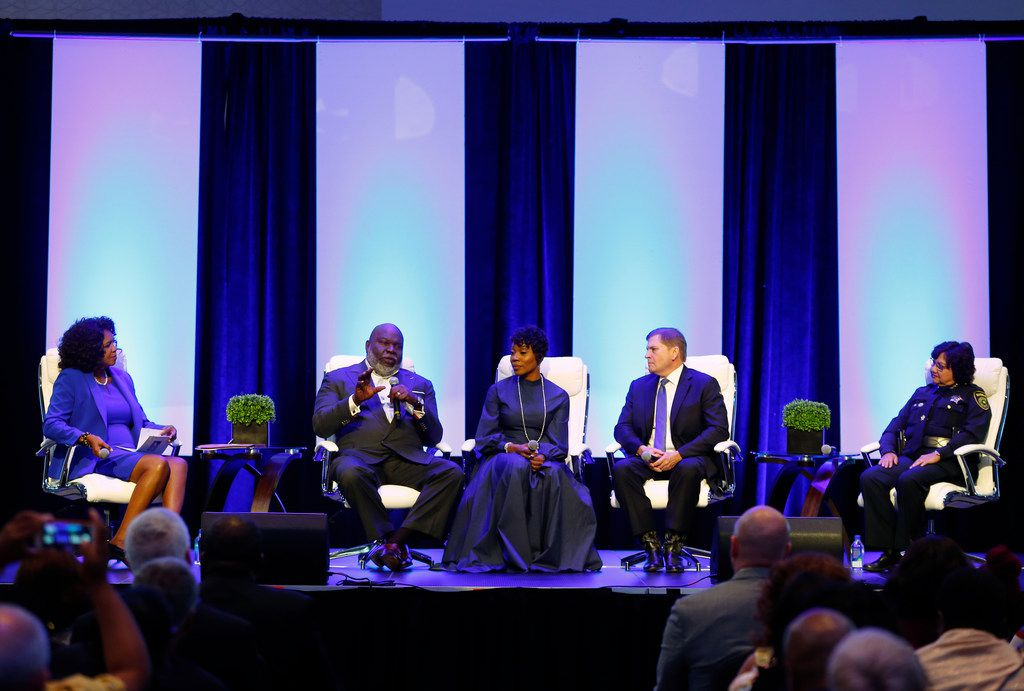 Dallas County District Attorney Faith Johnson (from left), Bishop T.D. Jakes, Dallas Police Chief U. Renee Hall, defense attorney Toby Shook and Dallas County Sheriff Lupe Valdez discuss the issues surrounding law enforcement and the community at the Blue on the Block community meeting.