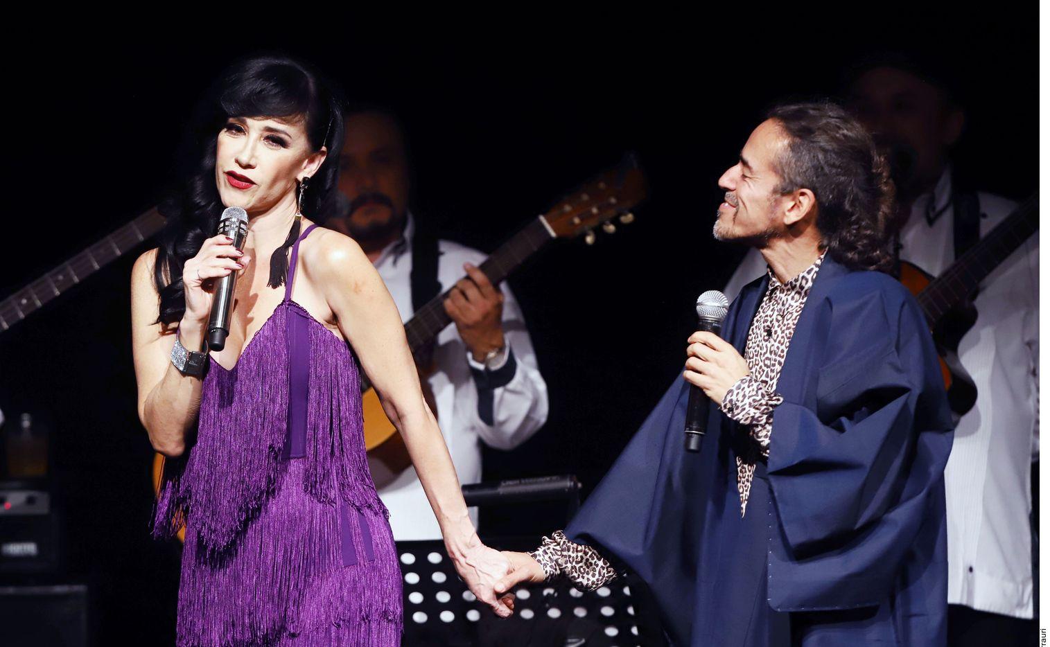 Susana Zabaleta y Rubén Albarrán compartiendo escenario.